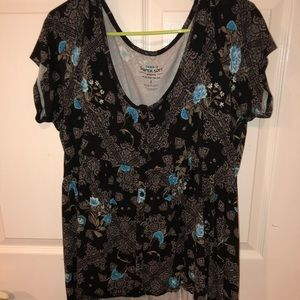 Torrid short sleeved scoop neck shirt